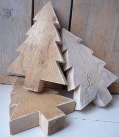 du sapin à la déco, voici quelques idées de DIY en bois à fabriquer chez soi calendrier de l'Avent en boispetits sapins en...