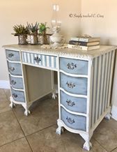Painted with Dixie Belle Paint and Drop Cloth and Manatee Gray. By: Claudia Cirey #dixiebellepaint #bestpaintonplanetearth #chalklife #homedecor #doityourself #diy #chalkmineralpaint #chalkpainted #easypeasypaint #makingoldnew #whybuynew #justpainting