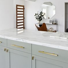 Tips, formulas, and resource in pursuance of receiving the most effective end result and also ensuring the max utilization of kitchen cabinet hardware Types Of Kitchen Cabinets, Ikea Cabinets, Wimborne White, Window Bars, Kitchen Cabinet Hardware, Cabinet Design, Cabinet Ideas, Cabinet Colors, Beautiful Kitchens