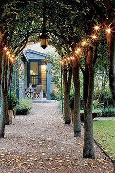 outdoor+lighting+ideas+for+backyard+party   Outdoor Lighting Love   Honeysuckle Life