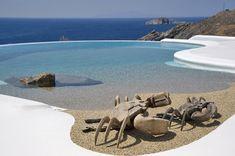Pool from a villa in Mykonos, Greece. It's a pebble covered infinity pool. Infinity Pools, Villa Pool, Beach Villa, Beach Entry Pool, Beach Pool, Beautiful Pools, Beautiful Villas, Mykonos Island Greece, Ideas De Piscina