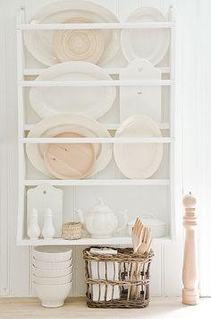 Astuce de rangement pour les grands plats ou planches à découper !