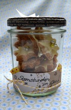Cookies in a glass as a gift (Homemade Christmas Ideas) Jar Gifts, Food Gifts, Christmas Love, Homemade Christmas, Food For Dry Skin, Diy Outdoor Weddings, Happy Birthday Gifts, Christmas Party Invitations, Diy Presents