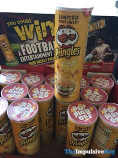 Limited Time Only Dip Pringles. Pringle Flavors, Packaging Snack, Impulsive Buy, Potato Crisps, Junk Food Snacks, Layer Dip, Cheer Party, 7 Layers, Food Reviews