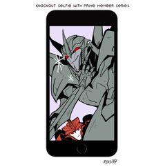 KnockOut tirando selfie com os personagens de Transformers Prime - StarScream
