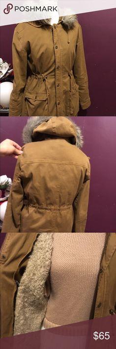 Free people parka jacket size XS Free people coat original price is $290. My price is $65.00 Free People Jackets & Coats