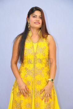 Nandini Kapoor Photo Gallery