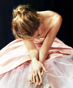 """Sarah Jessica Parker in a ballerina frock for """"Lovely"""" perfume ad Just Girly Things, Sarah Jessica Parker Lovely, Peonies Season, Lovely Perfume, Perfume Ad, Glamour, Belle Photo, Pretty In Pink, Perfect Pink"""