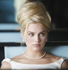 Margot Robbie  as  Laura Cameron  on PanAm