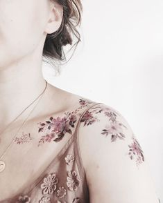 90 Female Best Beautiful Tattoo Ideas - Do you want a tattoo? Are you looking for tattoo ideas that suit you? Dream Tattoos, Body Art Tattoos, Sleeve Tattoos, Tatoos, Small Flower Tattoos, Flower Tattoo Designs, Piercing Tattoo, Piercings, Pretty Tattoos
