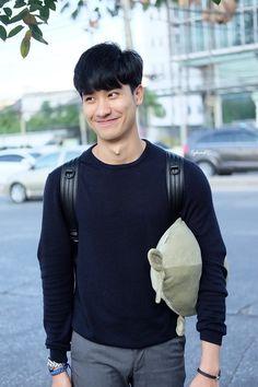 Hot Asian Men, Asian Boys, Thai Drama, Flower Boys, Drama Series, Korean Fashion, Thailand, Best Friends, Actors