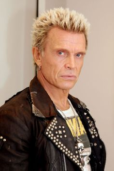Billy Idol... manchmal, aber nur manchmal....höre ichihn gern und dann seeeehr laut♡♥♡