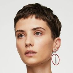 Mang Oded # Kurz # Kurzhaar # b # sh # coupe de cheveux # k . - - Mang Oded # court # cheveux courts # b # sh # coupe de cheveux # coupe courte Choppy Pixie Cut, Short Pixie Haircuts, Pixie Hairstyles, Short Hair Cuts, Cool Hairstyles, Short Hair Styles, Haircut Short, Pixie Cuts, Asymmetrical Pixie