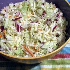 Coleslaw saláta (amerikai káposztasaláta) Receptek a Mindmegette. Veggie Recipes, New Recipes, Salad Recipes, Vegetarian Recipes, Cooking Recipes, Healthy Recipes, Mind Diet, Cold Dishes, Good Food