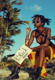 The History and definition of the Afropunk movement from Black Punk Rock explained in Afropunk The Movie Black Women Art, Beautiful Black Women, Black Girls, Black Art, Beautiful Lips, Afro Punk Fashion, Queer Fashion, Estilo Dark, Estilo Hipster