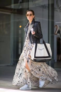 The Australian Fashion Week has just wrapped up a week ago. Here, I give you the 11 gorgeous and inspiring outfit ideas from the 2015 Australian Fashion Week. Street Style Outfits, Looks Street Style, Looks Style, Street Style Jackets, Look Fashion, Spring Fashion, Fashion Outfits, Womens Fashion, Fashion Trends