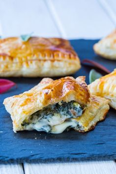Cheesy Kale Hand Pies are SO GOOD and easy to prepare!! #handpies #kalepies