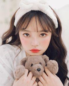 """정 윤 on Instagram: """"분당 플마 내일 봐요!!🐻 @yeoniii_pho"""" Ulzzang Korean Girl, Cute Korean Girl, Asian Girl, Japonese Girl, Anime Galaxy, Korean Beauty Girls, Photoshoot Themes, Uzzlang Girl, Cute Girl Face"""