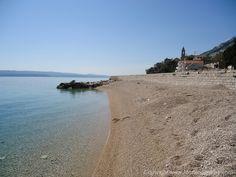 Toller Kiesstrand in Pisak auf der Omis Riviera