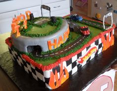 Hot Wheels Birthday cake with little chocolate cars.
