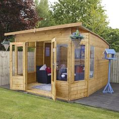 90 Beautiful Summer House Design Ideas And Makeover. You may not have a summer house yet but that doesn't mean you can't dream about decorating a future one. Corner Summer House, Summer Houses, Wooden Summer House, Summer House Garden, Large Summer House, Roof Design, House Design, Cabana, Shiplap Cladding