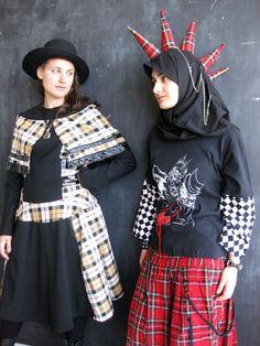 Mipsterz | Muslim Hipsters Alternative Outfits, Alternative Fashion, Edgy Outfits, Cool Outfits, Rocker Style, Punk Goth, Hippie Man, Hijab Fashion, Gothic Fashion