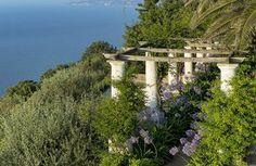HOUSE TOUR: A Capri Island House That Capitalizes On Indoor Outdoor Living  - ELLEDecor.com