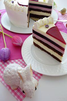 Eierlikör-Cassis-Torte