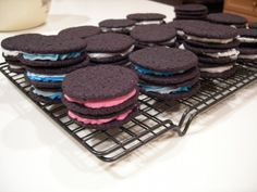 Learn to Make Oreo Cookies on Your Own ... 239999665_293e9ea9da_b └▶ └▶ http://www.pouted.com/?p=24234