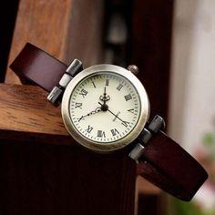Vintage PU leather dark brown strap..