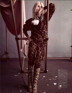 Vogue Japão Outubro 2014 | Ola Rudnicka por Camilla Akrans [Editorial]