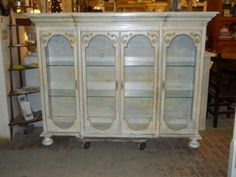 want to make, top of china hutch repurposed!