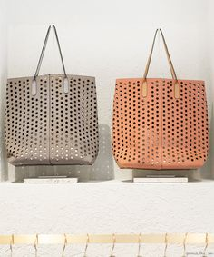 Rachel Comey beige and orange bags / Garance Doré