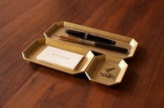 How gorgeous are these brass trays for desktop organization?