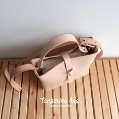TANGERINE [M] bag · leather & wool felt