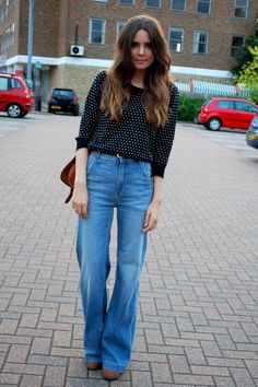 Wide leg, high waisted jeans and peter pan collared jumper