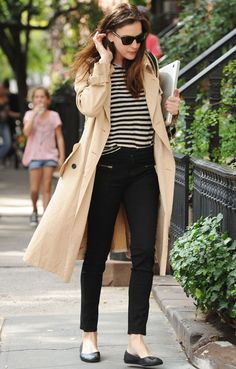 Culpo Found The Perfect Jeans To Update Your Spring Wardrobe Liv Tyler is Parisian chic in skinny jeans and stripes with a classic trench coat.Liv Tyler is Parisian chic in skinny jeans and stripes with a classic trench coat. Look Fashion, Girl Fashion, Autumn Fashion, Fashion Coat, 20s Fashion, Womens Fashion, Female Fashion, Cheap Fashion, Ladies Fashion