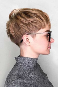 A Layered Short Haircut