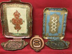 Catawiki, pagina di aste on line  N° 5 vassoi in legno foglia oro dipinti a mano - Originali con marchio di autenticità - Italia 1950