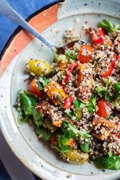 Super odżywcza sałatka z komosy ryżowej i batata >> vito gryzie Avocado, Pasta Salad, Catering, Salads, Clean Eating, Lunch Box, Food And Drink, Healthy Recipes, Meals