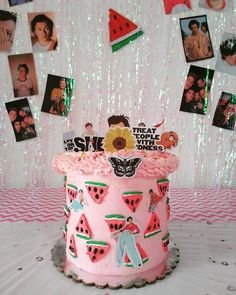 One Direction Birthday, One Direction Cakes, Harry Styles Birthday, Harry Birthday, 23rd Birthday, Comida De Halloween Ideas, Harry Styles Concert, Harry Styles Wallpaper, Its My Bday
