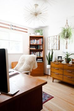 We spoke with HeyJune, an energy consultant, tarot reader, and business strategist, about the best work-from-home space for each star sign (also known as the sun sign or main zodiac sign). #hunkerhome #zodiac #workspace #workspaceideas #zodiacsign