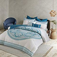 Boho Bedding Sets! Discover the best bohemian bedding sets, comforters, quilts, and duvet covers you will love. Our boho chic bedding is absolutely incredible in any bohemian themed bedroom.