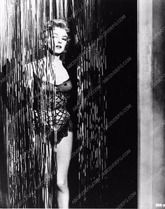 photo sexy Marilyn Monroe in chorus girl outfit 654-01