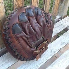 Dejting vintage baseball handskar gratis Senior judiska dejtingsajter