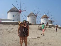 Planning your holiday to Mykonos? Mykonos is the island of fun and enjoyment. Here you will find the top options for restaurants, beaches and nightlife. Explore and have fun! Mykonos Island Greece, Stuff To Do, Things To Do, Global Tv, Greek Islands, Night Life, Have Fun, Europe, Windmills