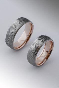damasteel ring rose gold inside Bővebben a weboldalon Damascus Steel, Rings For Men, Wedding Rings, Rose Gold, Engagement Rings, Jewelry, Chic, Modern, Rings For Engagement