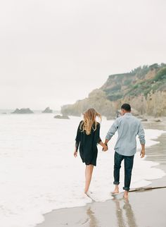 Photography: Valentina Glidden - blog.valentinaglidden.com  Read More: http://www.stylemepretty.com/2015/03/09/seaside-southern-california-engagement/
