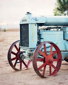 Rustic Farmhouse Wall Art Decor with Antique Tractor - Farmhouse Kitchen Wall Decor in Red and Blue Country Kitchen Backsplash, Red Kitchen Walls, Country Kitchen Farmhouse, Farmhouse Wall Art, Kitchen Wall Art, Farmhouse Kitchen Decor, Coastal Farmhouse, Farmhouse Style, Tractor Photos