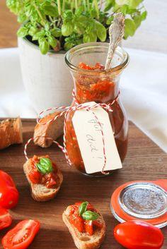 Tomatenbruschetta mit Physalis
